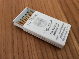"Boite D'allumettes * SEITA ""La Distillerie Angus Dundee PUB MUSICAL BORDEAUX (33) / AN ORIGINAL STYLE (Lucky Strike)"" - Matchboxes"
