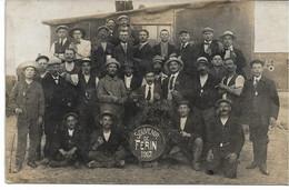 CARTE-PHOTO WW1 NORD FERIN Un Groupe De Brassards Rouges En 1917 - Altri Comuni