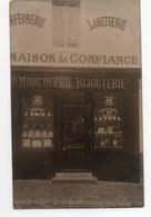 Carte Photo à Identifier *MAGASIN COMMERCE * ORFEVRERIE LUNETTERIE HORLOGERIE BIJOUTERIE * BIJOUX FIX * COUVERTS FRENAIS - Winkels