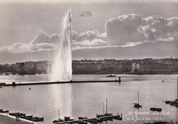 A5215- La Rade, Le Jet D'eau, Lac De Geneve,  1950 Geneve Suisse Switzerland Stamp Postcard - GE Geneva