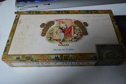 Rare Boite En Bois à Cigares Marque Romeo Y Julieta Made In Cuba  Format 25.5 X 14  X 4.5 Cm - Other