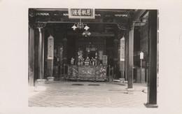 Singapore Postcard Chinatown Altar In Temple Of Confucius - Singapore
