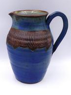 Cruche En Ceramique Bleu à Frise Marron - Autres