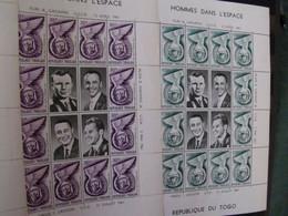 150 Blocs Et Feuillets Neufs De Divers Pays - Lots & Kiloware (mixtures) - Max. 999 Stamps