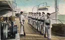 """LA VIE DU MARIN-HET LEVEN BIJ DE ZEEMACHT """"LE MANIEMENT D'ARMES-DE HANDTERING VAN DE WAPENS""""AQUA PHOTO N°2696 - Regimenten"""