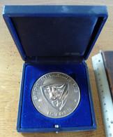 """Médaille En Relief """"Base Aérienne 125 - ISTRES""""  (Diamètre : 72 Mm) - Francia"""