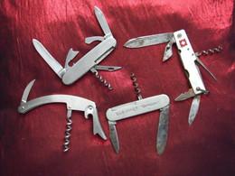 4 Couteaux Pliants En Métal à Lames Multiples Et Tire Bouchon Année 1960 Limonadiers - Bottle Openers