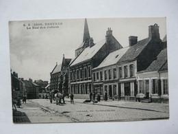 CPA 62 PAS DE CALAIS - DESVRES : La Rue Des Potiers - Scène Animée - Desvres