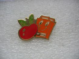 Pin's D'une Pomme Rouge De Chez COOP - Alimentazione