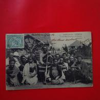 BETROKA LE CHEF BARA INAPAKA ET SES FEMMES - Madagascar