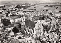 (62) - St Omer - En Avion Au Dessus De St Omer ( Chapelle Du Lycée ) - Saint Omer