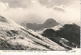 CPSM 38 - Alpe D'Huez - Route De L'Alpe D'Huez - Tourmente Sur Pied Moutet - Edition Roby - Non Classés
