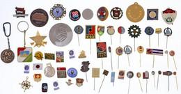 60db Magyar és Külföldi Szocialista Kitüntetés, Jelvény, Emlékérem T:vegyes - Unclassified