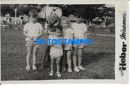 160467 ARGENTINA MIRAMAR COSTUMES CHILDREN WITH BAMBI YEAR 1959 PHOTO NO POSTAL POSTCARD - Argentine