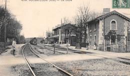 ROSSILLON - La Gare - Arrivée Du Train, Voie Ferrée - Autres Communes
