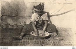 ALGERIE  SCENES ET TYPES  Mauresques Faisant Le Couscous  ..... ( Ref FF1663 ) - Szenen
