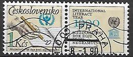 TCHECOSLOVAQUIE   -   1990 .  Y&T N° 2830 Oblitéré.  UNESCO  /  Alphabétisation  /  Main écrivant - Usados