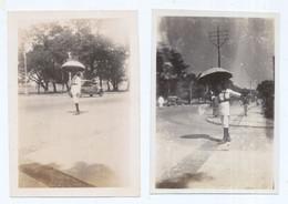 2 Photos Traffic Policeman With Umbrella Calcutta Mumbai India 1920s ? - Organizaciones
