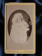 Photo CDV Gourdon à Mende - Bébé Avec Charlotte Sur La Tête, Famille Barathier, Vers 1885 L550-7 - Old (before 1900)