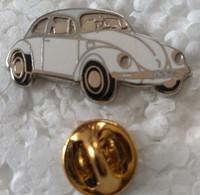 Pin's - Automobiles - Volkswagen - V W - COCCINELLE - Blanche - - Volkswagen