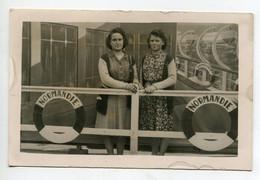 MARINE CARTE PHOTO Montage Fete Foraine   Jeunes Femmes Sur Pont Paquebot NORMANDIE 1935    D14  2021 - Non Classés