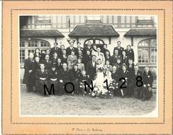 PHOTO DE MARIAGE - P.PIERRE LE NEUBOURG  -PHOTO COLLEE SUR CARTON - DIM 27x21,5 Cms - Non Classés