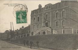 CPA - Lyons-la-Fôret - La Gendarmerie - Lyons-la-Forêt