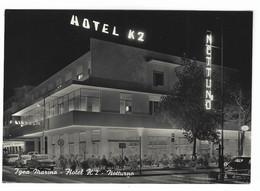 10.295 - IGEA MARINA RIMINI HOTEL K2 NOTTURNO ANIMATA AUTOMOBILI CAR AUTO 1950 CIRCA - Altre Città