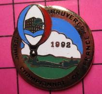 SP12 Pin's Pins / Beau Et Rare / THEME : MONTGOLFIERES / CHAMPIONNAT DE FRANCE BALLON LIBRE BRUYERES 1992 - Mongolfiere