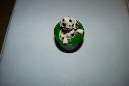 Vintage - Chien Dalmatien Dans Un Pot De Peinture Verte. - Tiere