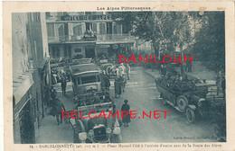 04 // BARCELONNETTE   Place Manuel, L'été à L'arrivée D'autocas De La Route Des Alpes / EDIT LOUIS BONNET 14 - Barcelonnette