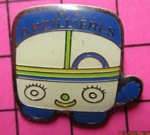 SP06 Pin's Pins / Beau Et Rare / THEME : TRANSPORTS / AUTOBUS ENFANTIN BLEU ET BLANC RP ARZILLIERES - Transportation