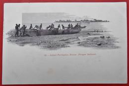 Cpa GUINEE PORTUGAISE Pirogue Ballante - Guinea-Bissau