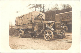 Véhicule BERLIET N° 23789 Criblé De Balles (immatriculation 435 TM), Et Autre Camion BERLIET (n° 116653) - Guerra 1914-18