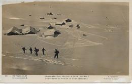 ANDORRE  V. CLAVEROL  N° 69 (petit Format 9X14 Série Neige) SKIEURS AU PAS DE LA CASA - Andorre