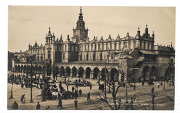 Postcard Poland Krakow Sukiennice Halle Aux Draps Cloth Hall Animated Market People 1920s Unposted - Poland