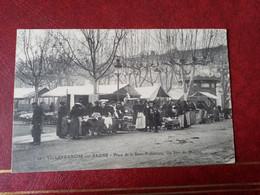 H2: Place De La Sous-Préfecture. Un Jour De Marché - Villefranche-sur-Saone