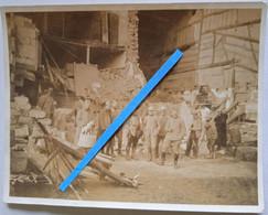 1916 Vaubécourt Officiers Français Dans Les Ruines Mascotte Bombardements  Tranchée Ww1 Poilus 14-18 Photo - War, Military