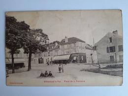 CPA - Villeneuve-le-Roi (94) - Place De La Fontaine, Animée, Voyagée En 1924 - Villeneuve Le Roi