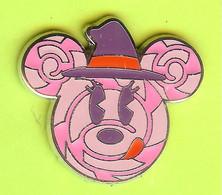 Pin's BD Disney Halloween Minnie Déguisée En Chafouin (Chat De Chester) - 7X10 - Disney