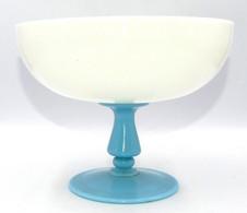 Coupe En Opaline Blance Et Bleu - Verre & Cristal