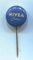 NIVEA - Cream Lotion Cosmetics, Vintage Pin, Badge, Abzeichen - Profumi