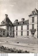D33  CADILLAC- SUR- GARONNE  Chateau Des Ducs D' Epernon- Cour D' Honneur   ...... - Cadillac