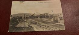 Ancienne Carte Postale - Alise Sainte Reine - Aspect Générale De La Gare Des Laumes Et De La Montagne - Andere Gemeenten