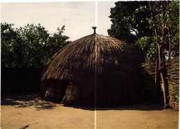 BURUNDI . CASE TRADITIONNELLE  ( Trait Blanc Pas Sur Original ) - Burundi