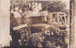 """23-SAINTE-FEYRE -CARTE-PHOTO FÊTE De SAINTE-FEYRE- CAVALCADE 24 Août 1930-""""HÔTEL Des TOURISTES""""- Camion ANCIEN - Other Municipalities"""