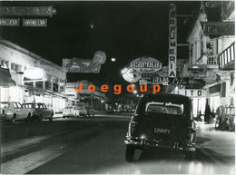 Photo Lucio Solari Night Downtown Street Cars Fiat Fitito Ford Falcon Renault 4L Junín Buenos Aires Argentia 1976 - Cars