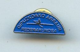 AVIRON Basque Country Rowing Federation Remo Rudern Pin Badge - Roeisport