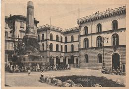 PAVIA - CASERMA UMBERTO I E MONUMENTO ALLA FAMIGLIA CAIROLI - Pavia