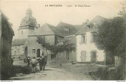 56 LE FAOUËT. Le Vieux Quartier Avec Attelage - Le Faouet